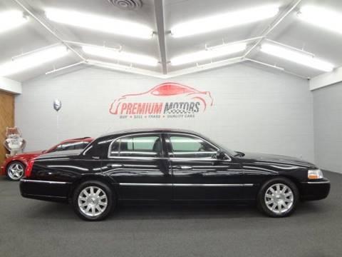 2011 Lincoln Town Car for sale at Premium Motors in Villa Park IL