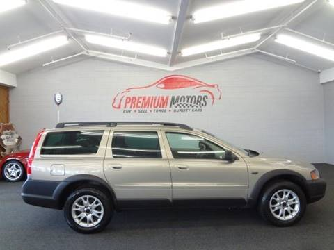 2004 Volvo XC70 for sale at Premium Motors in Villa Park IL
