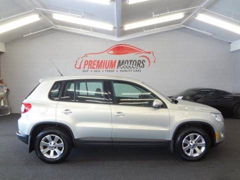 2009 Volkswagen Tiguan for sale at Premium Motors in Villa Park IL