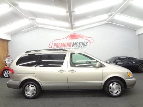2002 Toyota Sienna for sale at Premium Motors in Villa Park IL