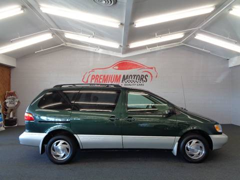 2000 Toyota Sienna for sale at Premium Motors in Villa Park IL