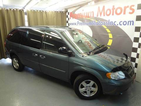 2005 Dodge Grand Caravan for sale at Premium Motors in Villa Park IL