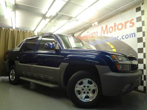 2002 Chevrolet Avalanche for sale at Premium Motors in Villa Park IL