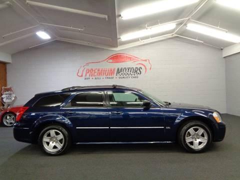 2006 Dodge Magnum for sale at Premium Motors in Villa Park IL
