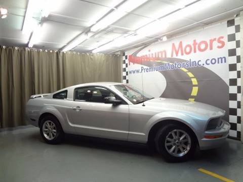2006 Ford Mustang for sale at Premium Motors in Villa Park IL