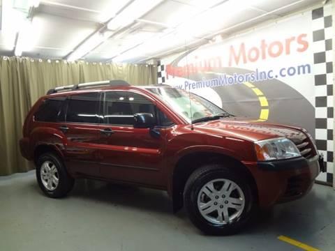 2005 Mitsubishi Endeavor for sale at Premium Motors in Villa Park IL
