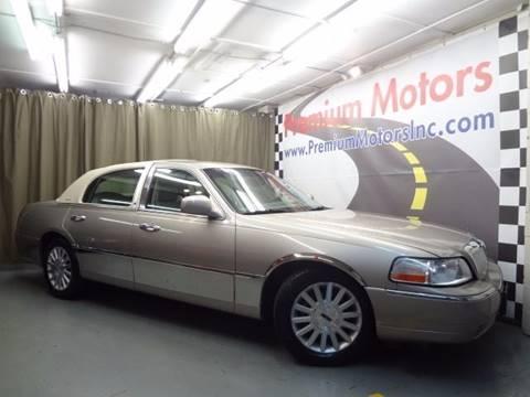 2003 Lincoln Town Car for sale at Premium Motors in Villa Park IL