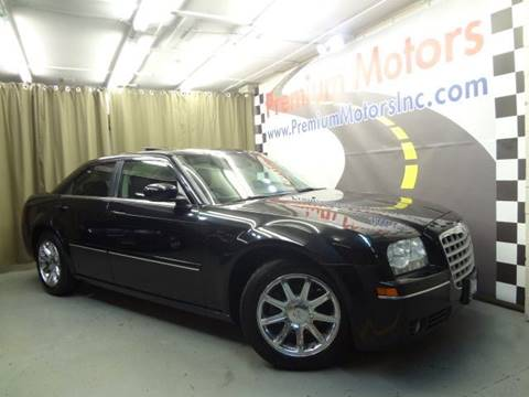 2005 Chrysler 300 for sale at Premium Motors in Villa Park IL