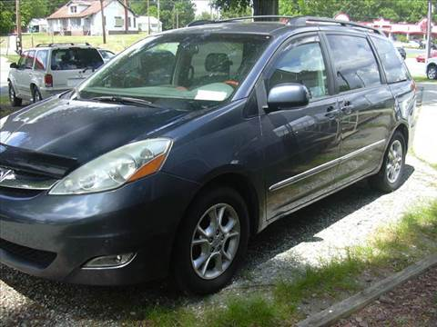 2006 Toyota Sienna for sale at Ray Moore Auto Sales in Graham NC