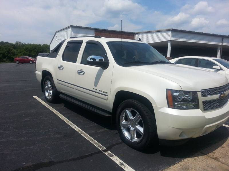 2011 Chevrolet Avalanche for sale at Ray Moore Auto Sales in Graham NC