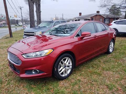 2013 Ford Fusion SE for sale at Ray Moore Auto Sales in Graham NC