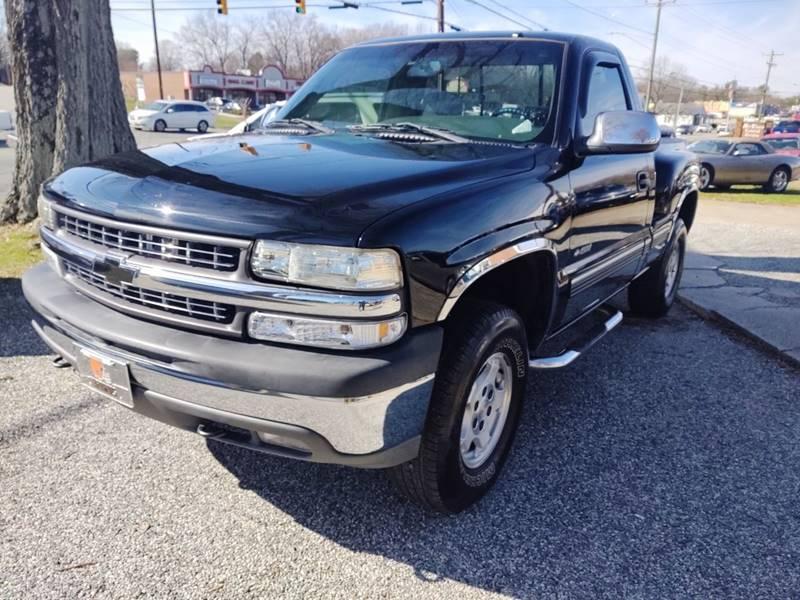 2000 Chevrolet Silverado 1500 LS (image 1)