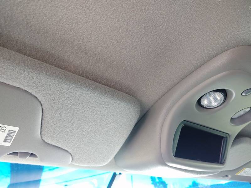2000 Chevrolet Silverado 1500 LS (image 12)