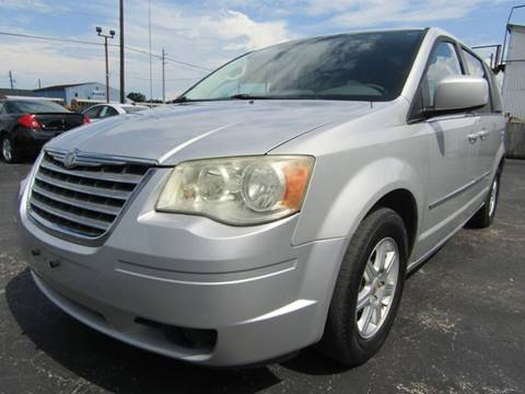2010 Chrysler Town and Country for sale in South Houston, TX