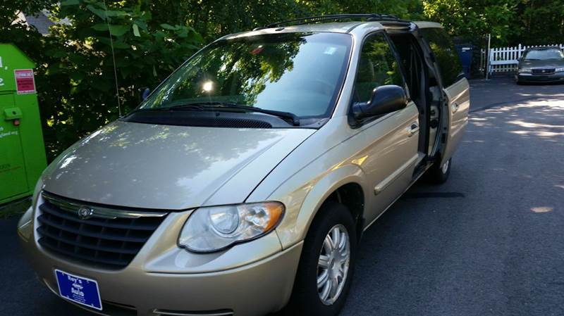 2007 Chrysler Town and Country for sale at Roys Auto Sales & Service in Hudson NH