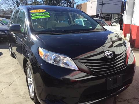 2012 Toyota Sienna for sale at New Park Avenue Auto Inc in Hartford CT
