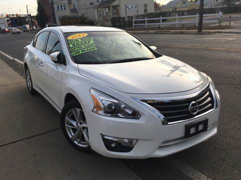 2013 Nissan Altima for sale at New Park Avenue Auto Inc in Hartford CT