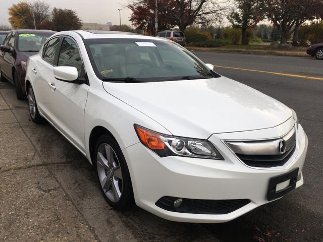 2013 Acura ILX for sale at New Park Avenue Auto Inc in Hartford CT