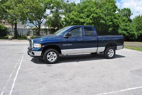 2005 Dodge Ram Pickup 1500 for sale in Roosevelt, NY