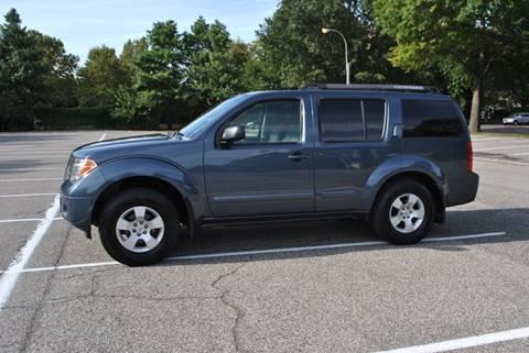 2006 Nissan Pathfinder for sale in Roosevelt, NY