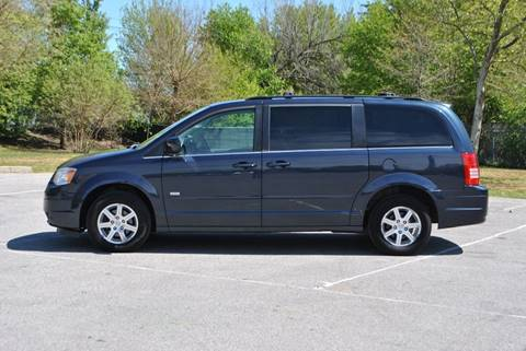 2008 Chrysler Town and Country for sale in Roosevelt, NY