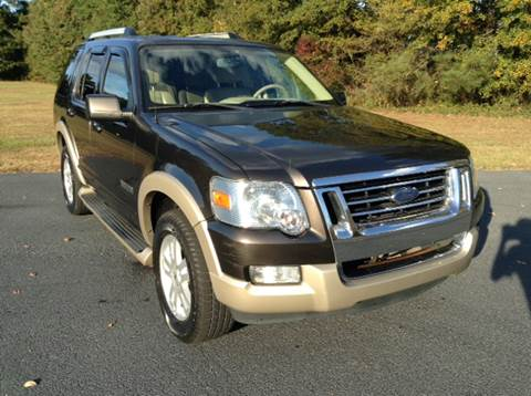2006 Ford Explorer for sale at Global Pre-Owned in Fayetteville GA