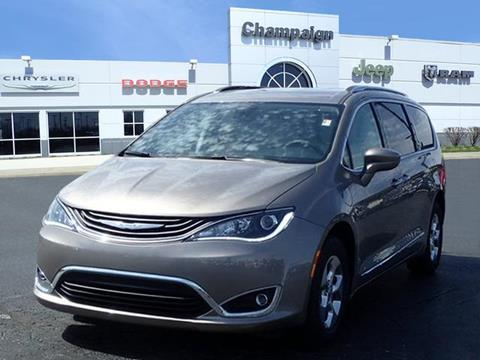 2018 Chrysler Pacifica Hybrid for sale in Champaign, IL