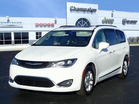 2019 Chrysler Pacifica for sale in Champaign, IL