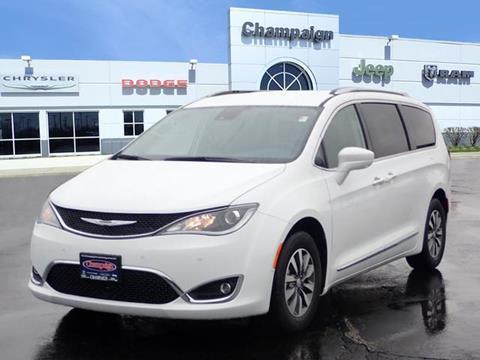 2020 Chrysler Pacifica for sale in Champaign, IL