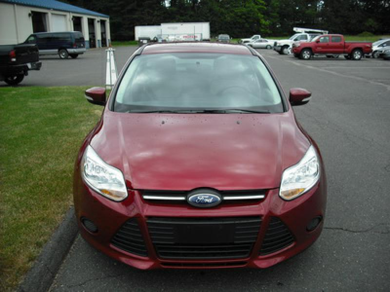 2014 Ford Focus SE 4dr Hatchback - Westfield MA