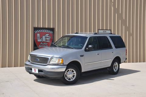 2001 Ford Expedition for sale at V12 Auto Group in Lubbock TX