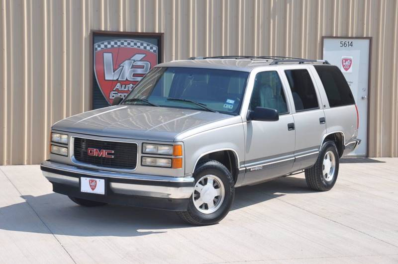 1999 GMC Yukon for sale at V12 Auto Group in Lubbock TX