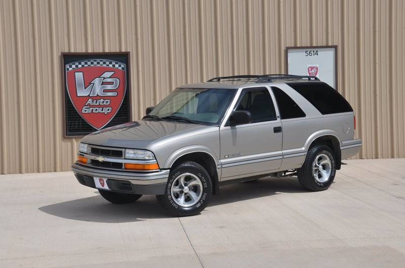 2002 Chevrolet Blazer for sale at V12 Auto Group in Lubbock TX