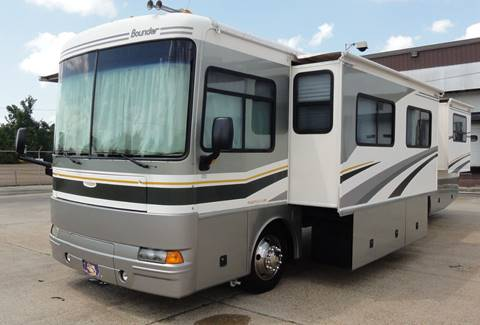 2004 Fleetwood Bounder for sale in Jackson, MS