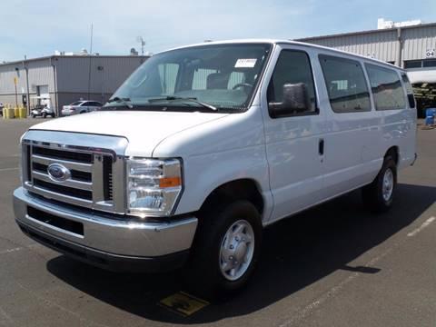 2012 Ford E-Series Wagon for sale at Durani Auto Inc in Nashville TN