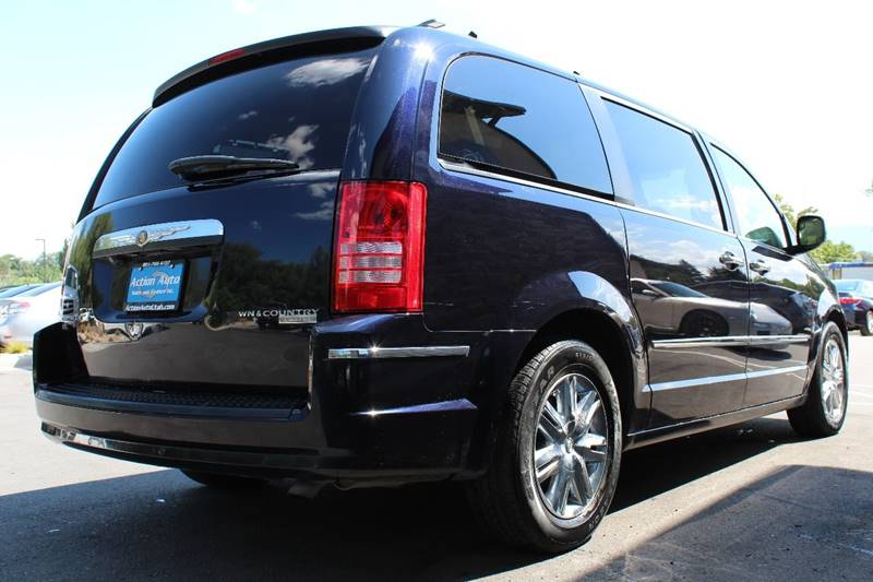 2010 Chrysler Town and Country for sale at Action Auto Sales and Finance (Lehi Location) in Lehi UT