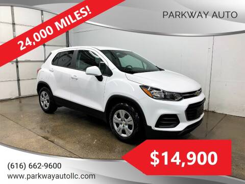 2018 Chevrolet Trax for sale at PARKWAY AUTO in Hudsonville MI