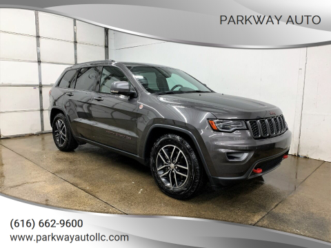 2017 Jeep Grand Cherokee for sale at PARKWAY AUTO in Hudsonville MI