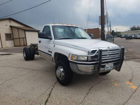 2001 Dodge Ram Chassis 3500 for sale at BERKENKOTTER MOTORS in Brighton CO