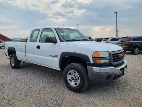 2005 GMC Sierra 2500HD for sale at BERKENKOTTER MOTORS in Brighton CO