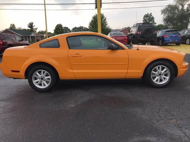 2008 Ford Mustang V6 Deluxe 2dr Coupe - Louisville KY