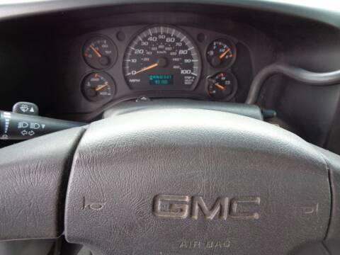 2004 GMC Savana Cutaway