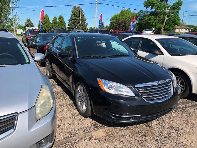 2011 Chrysler 200 Touring 4dr Sedan - Paw Paw MI