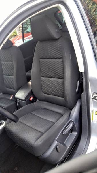2009 Volkswagen Tiguan SEL 4Motion AWD 4dr SUV In Hasbrouck
