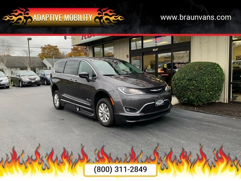 2017 Chrysler Pacifica for sale in Seekonk, MA
