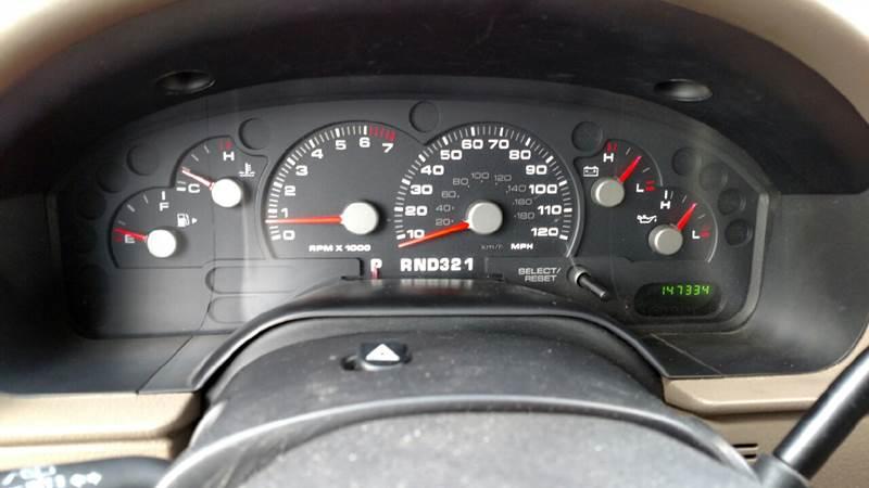 2004 Ford Explorer XLS 4WD 4dr SUV - Reynolds IN
