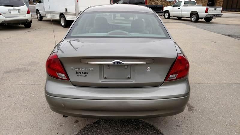 2001 Ford Taurus SE 4dr Sedan - Reynolds IN