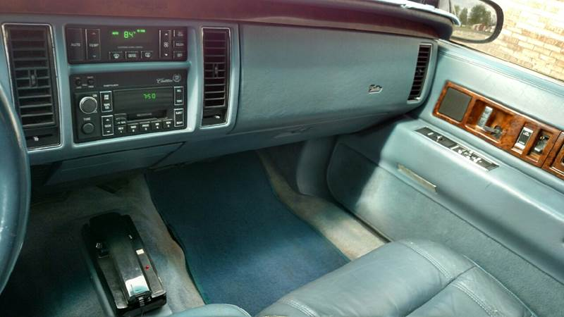 1996 Cadillac Fleetwood 4dr Sedan - Reynolds IN