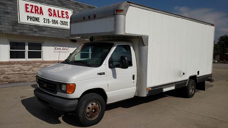 2004 Ford E-Series Chassis E-450 SD DRW Cutaway Chassis - Reynolds IN