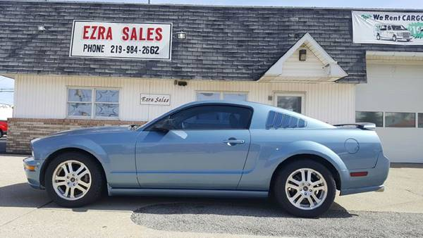 2005 Ford Mustang V6 Premium 2dr Coupe - Reynolds IN